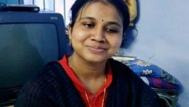 Photo of মেয়েটি ছোটবেলা থেকেই অন্ধ, জীবনে IAS হওয়ার স্বপ্ন! UPSC পরীক্ষায় ২৮৬ র্যাঙ্ক করে নজির গড়ল পূর্ণা