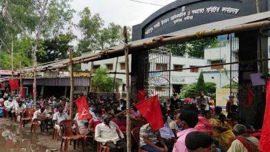Photo of কেন্দ্র ও রাজ্য সরকারের বিরুদ্ধে নদিয়ার শান্তিপুরের CPIM-কর্মীদের বিক্ষোভ