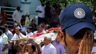 Photo of প্রয়াত ধোনির প্রিয়জন, কাছের মানুষকে হারিয়ে শোকাহত মাহি