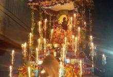 Photo of নদীয়ার শান্তিপুরে রাস উৎসবে ঐতিহ্যপূর্ণ বেলোয়ারী ঝাড়ের আলোতে সেজে উঠেছে কৃষ্ণের রথ