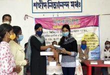 Photo of নদীয়ার পায়রাডাঙ্গার শিক্ষাপ্রতিষ্ঠান 'বৈকল্পিকের' দ্বি-বার্ষিকী অনুষ্ঠানে ছাত্র-ছাত্রীদের পুস্তক প্রদান করা হলো