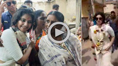 Photo of নির্বাচনী প্রচারে বেরিয়ে শাড়ির কুঁচি ধরে দৌড় মারল অভিনেত্রী সায়নী ঘোষ, দেখুন ভিডিও
